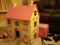 Dolls house and figures