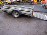 Plant trailer with loading ramp.