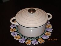 Cast Iron Casserole Dish All Cooks 2.7 litre capacity. Suitable for all Hobs.Unused in original Box