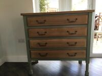 Country Style Oak Chest of Drawers