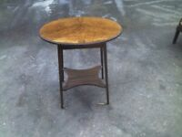 ANTIQUE ROUND COFFEE TABLE - GREAT CONDITION