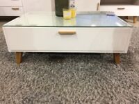 Modern Scandinavian style COFFEE TABLE / white / NEW