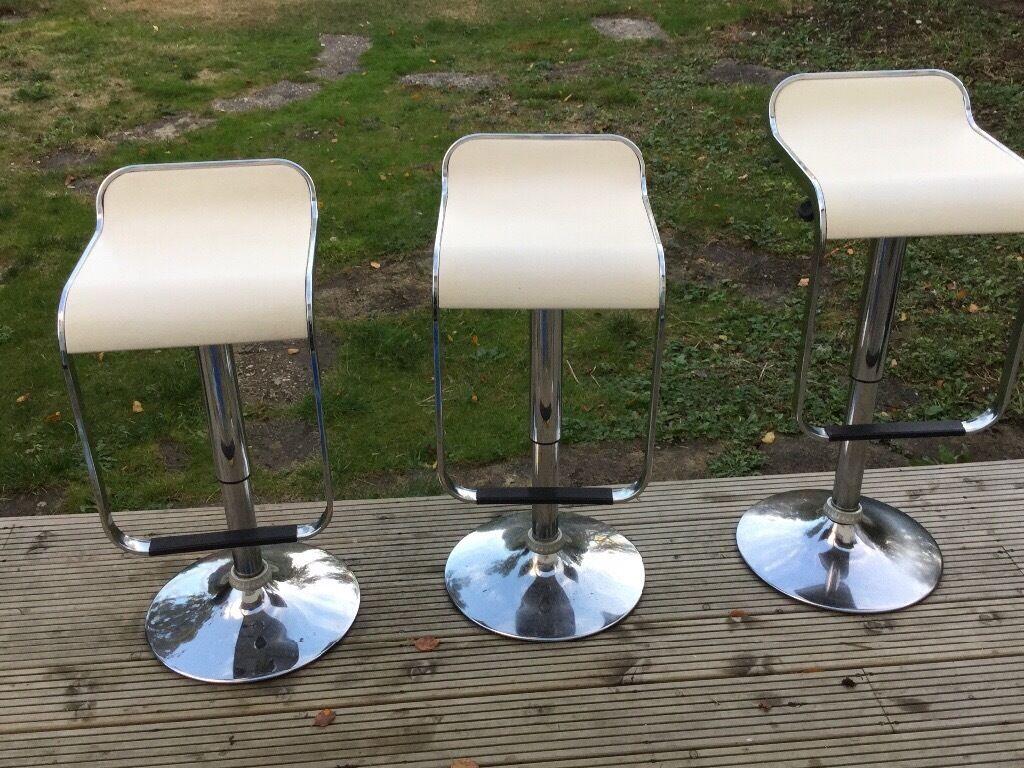 Dwell swivel bar stools