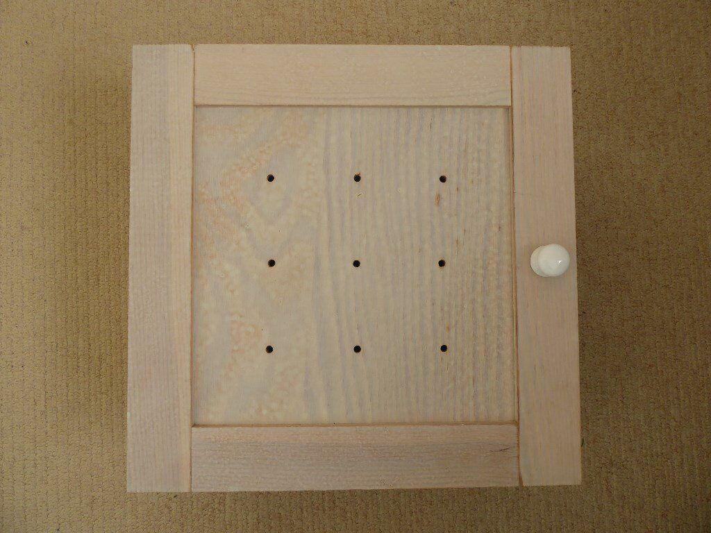 Wall cabinet, wood, white, stylish, 1 door, 1 adjustable wood shelf, fixing screws, good condition.