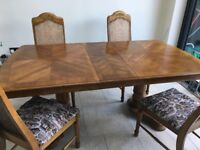 DINING TABLE + 4 CHAIRS. COLONIAL OAK