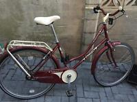 Beautiful ladies boulevard town / city bike £85