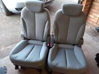 Kia Sedona rear 2 seats - excellent condition