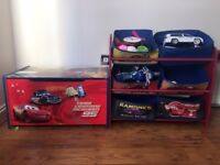nice toy box & toy shelf