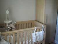 Mamas & Papas Horizons cot bed/junior bed with matching cupboard