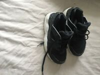 Boys Nike and timberland trainers sizes 11/1/2s