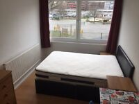 NICE DOUBLE ROOM TO RENT,CANADA WATER SE16,ZONE 2,NEXT TO TUBE STATION