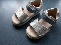Clarks toddler sandals size 5.5 F