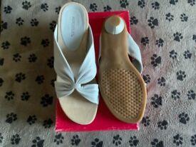 Aerosoles ladies sandals