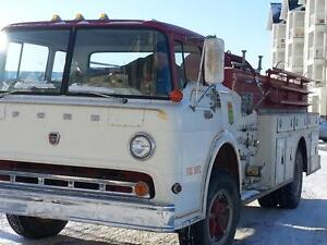FIRE TRUCK  1966 FORD F700  ONLY 12, 000 MILES 391 BIG BLOCK