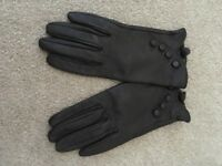 Leather brown gloves