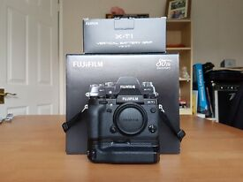 Fuji X-T1, Battery Grip & Long Eye Cup including 3 batteries FujiFilm X T1
