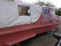 Cabin cruiser