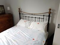 Kingsize metal bed Feather & Black with spring mattres and memory foam topper