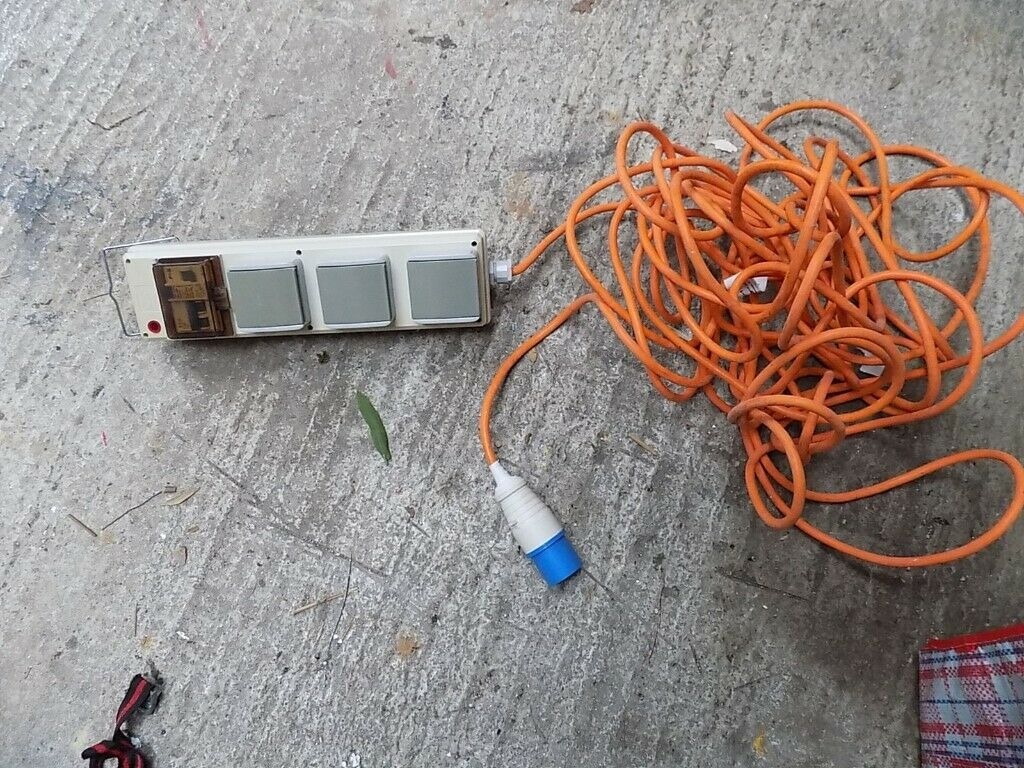 Magnificent Camping Electric Hook Up Lead With 3 Plug Sockets Used 18 Meters In Wiring 101 Cominwise Assnl