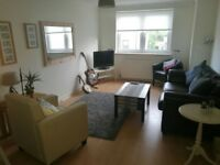 Spacious room to rent, Main street Prestwick, Ideal location. (Bills included)