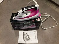 STEAM IRON, EXCELLENT CONDITION