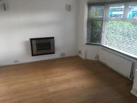 Recently refurbished 3 bed home with parking for 2 cars - close to M4 & Green Park