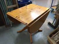 REALLY NICE OVAL PEDESTAL DROP LEAF PINE TABLE
