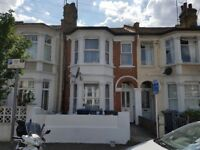 Luxury 2 Double bed room flat - 12 Mins to Willesden Green - 5 Mins walk to Dollis Hill station
