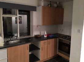 FURNISHED FLAT TO LET IN CASTLE DONINGTON - 90 P/W
