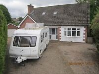 * COMPASS MAGNUM * 4 BERTH CARAVAN * FIXED FRENCH BED * MOTOR MOVER *2007 *