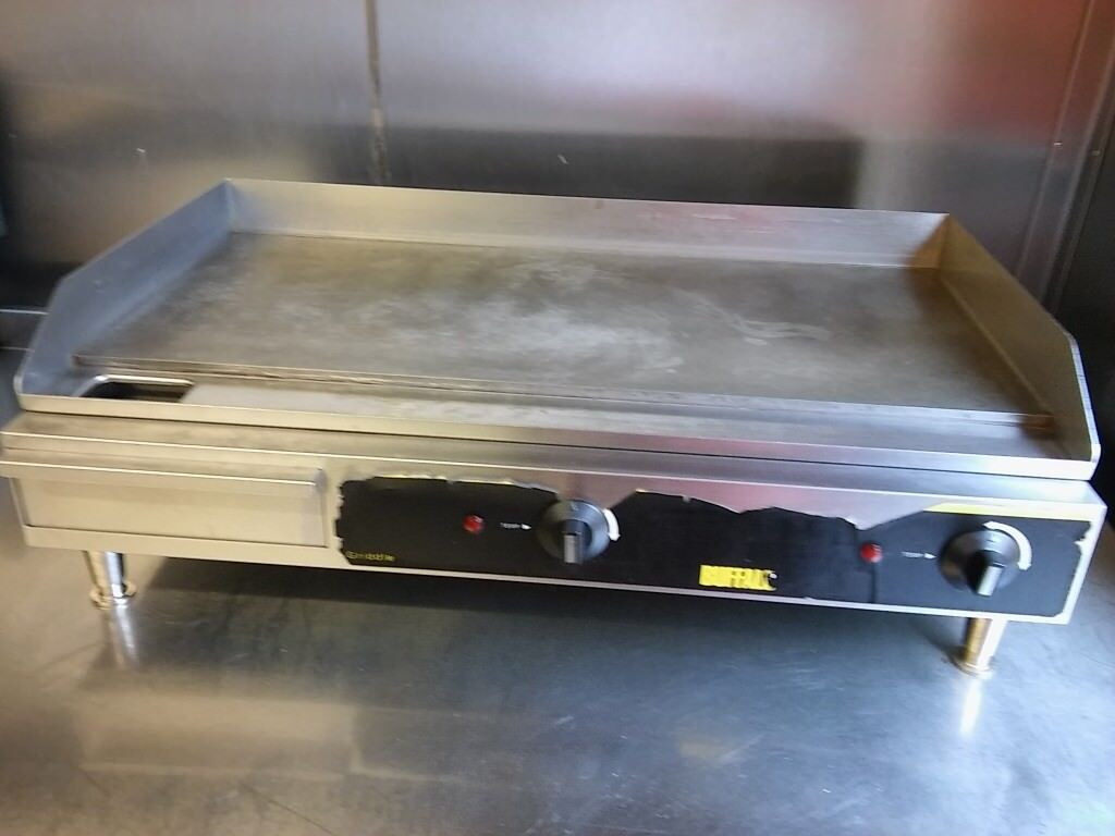 Heavy duty Buffalo Extra Wide Countertop Electric Griddle