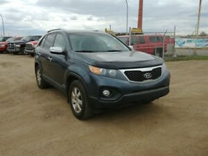 2012 Kia Sorento LX 3.6L V6 AWD!! Bluetooth & Heated Seats!!