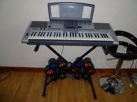 Yamaha E403 keyboard & stand