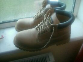 Sz 11 earth works boots
