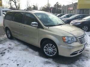 2011 Chrysler Town & Country Limited/NAVI/2DVDS/LEATHER/ROOF/LOA