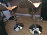 Bar stools (like new)