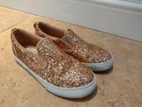 Gap kids shoes size 13