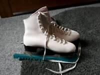 Women's figure skates Size 5