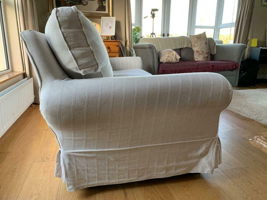 Laura Ashley Large 2 Seater 3 Person Settee In Tempo
