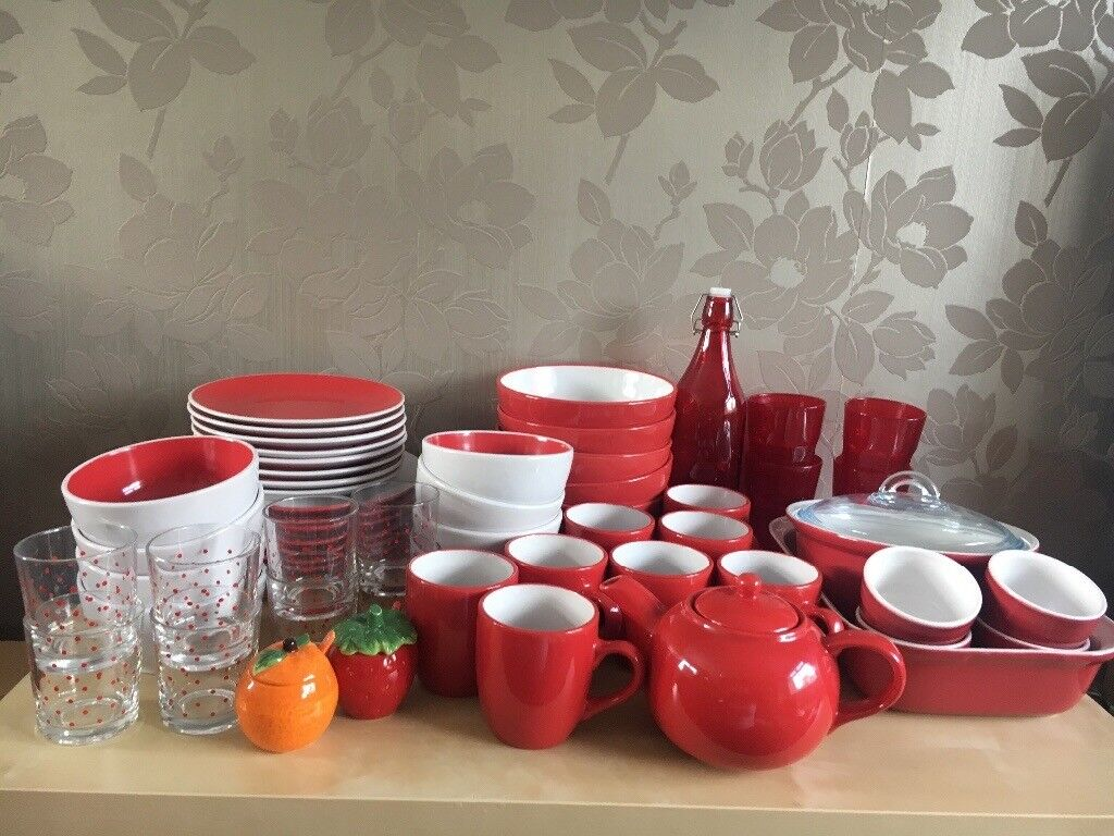 Kitchen crockery and accessories