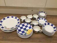 Johnson Bros Hopscotch 6 piece dinner service plus extras