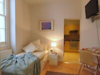 ***JUST REFURNISHED STUDIO FLAT IN SOUTH KENSINGTON ***- ZONE 1 - BILLS INC/WIFI/PORTER SERVICE
