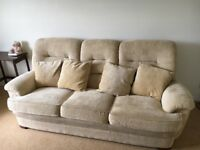 Parker Knoll suite for sale in very good condition.