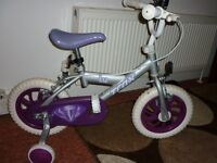 TRAX t12 infants bike ! Complete with Stabilisers !