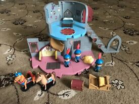 Mike the knight castle with figures