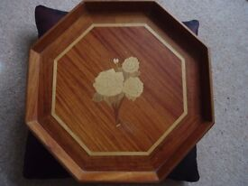 Wooden tray with flower design