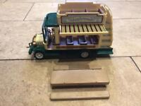 Sylvanian Families Applewood buss + picnic table & benches