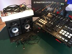 Traktor Kontrol S8 DJ Controller with stand and speakers PACKAGE