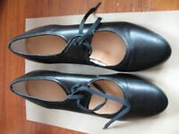Pair of size 4 ladies/girls tap-dancing shoes.