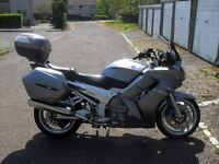 YAMAHA FJR 1300 OUTSTANDING CONDITION AND LOW MILEAGE.